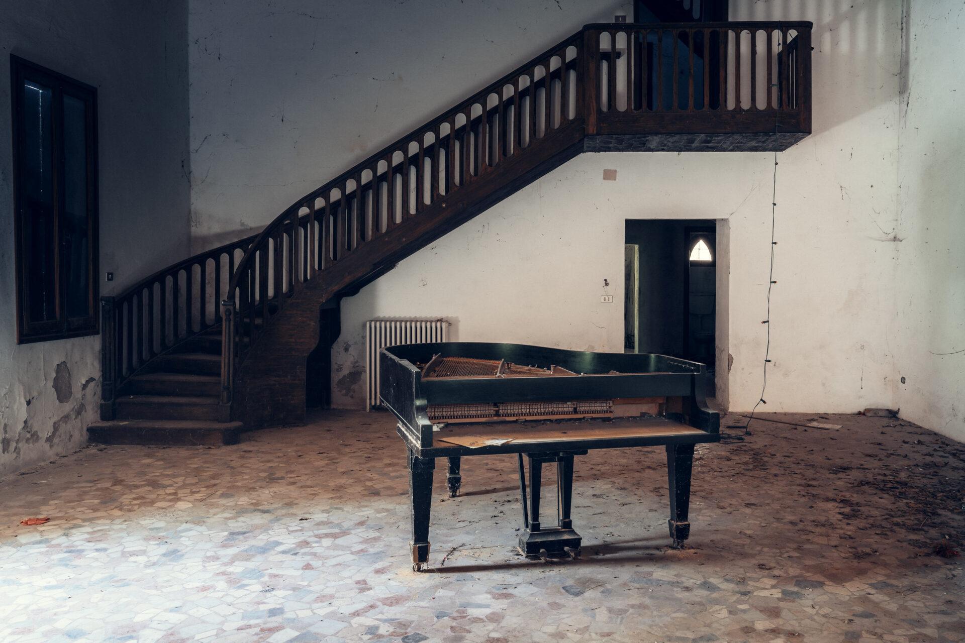 Requiem pour pianos 97 | Serie Requiem pour pianos | Romain Thiery