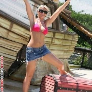 Nina Brown ninabrown300@yahoo.com - stolen image for sure