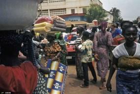 1920px-Togo-benin_1985-079_hg[1]