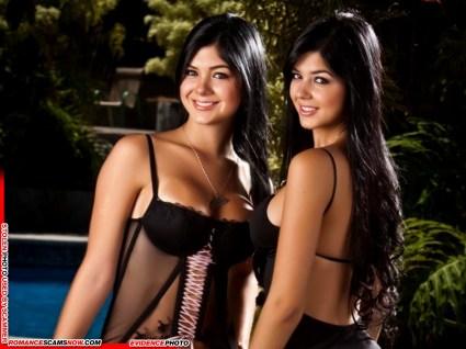 Mariana And Camila Davalos 1