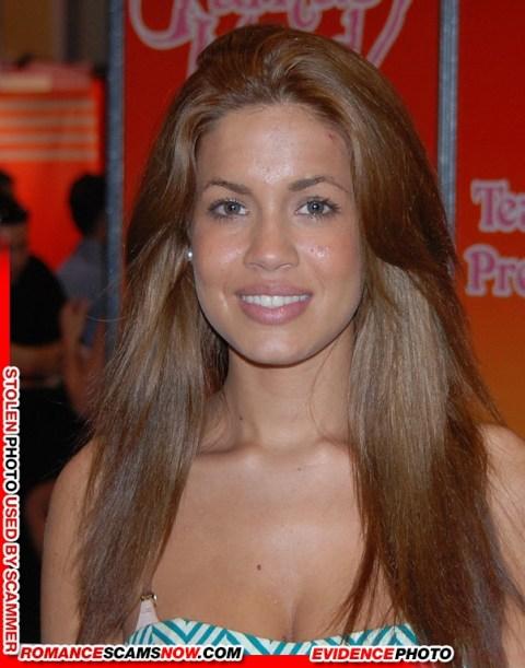 Isis_Taylor_at_Exxxotica_Miami_2010_(1)