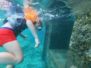 Oscar fait du snorkeling aux îles Perhentian, Malaisie