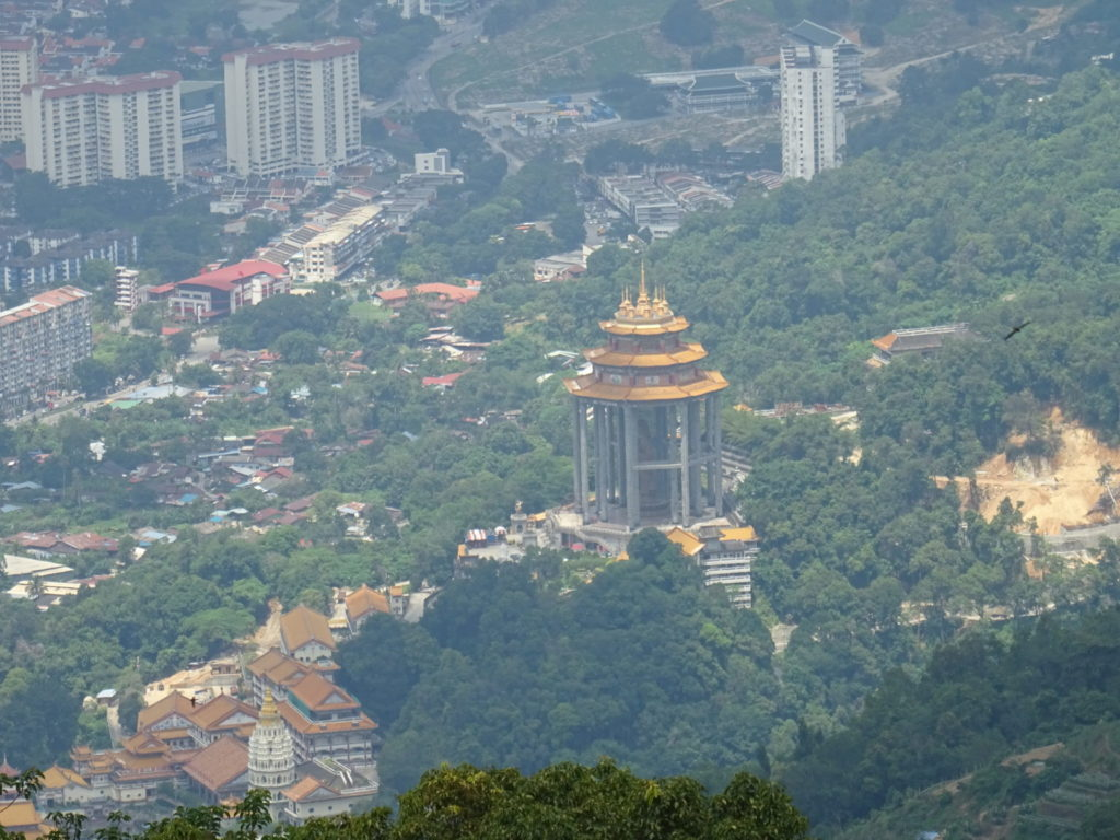 Penang : gratte-ciels, temples & jungle