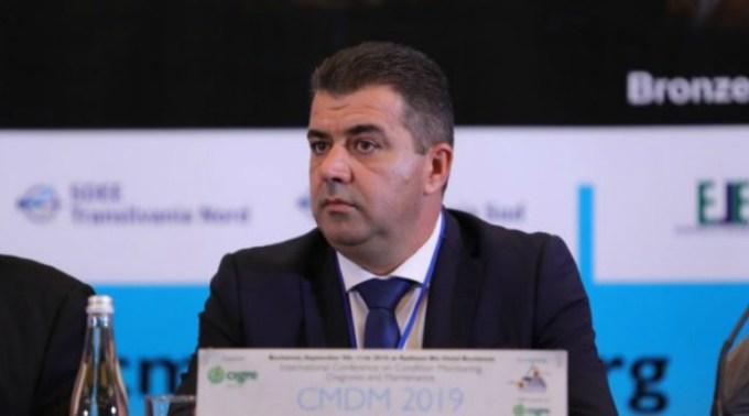 Fostul șef al Transelectrica, Marius Dănuț Carașol, acuzat că și-a falsificat diploma de licență a fost reținut de procurori. A cauzat un prejudiciu de 460 de mii de lei 1