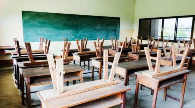Școală online și din toamnă?! Ministrul Educației spune ca la toamna nu vom mai avea clase cu 30 de elevi 1
