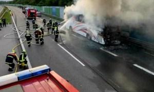 Autocar cu 48 de români a luat foc pe autostradă în Austria, lângă Viena 22