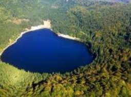 (Video) Lacul de sub pământ din Munții Harghitei, care amintește de un film SF 52