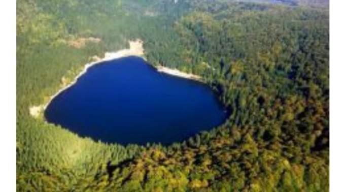 (Video) Lacul de sub pământ din Munții Harghitei, care amintește de un film SF 1