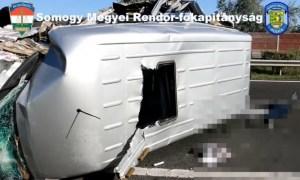(Video) Accident grav. Un microbuz cu români s-a răsturnat pe o autostradă din Ungaria. Un mort și opt răniți 24