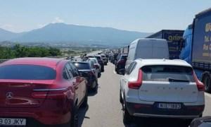Grecia a schimbat din nou regulile. Turiștii români care intră prin vama Kulata trebuie să aibă un test negativ pentru COVID-19 45