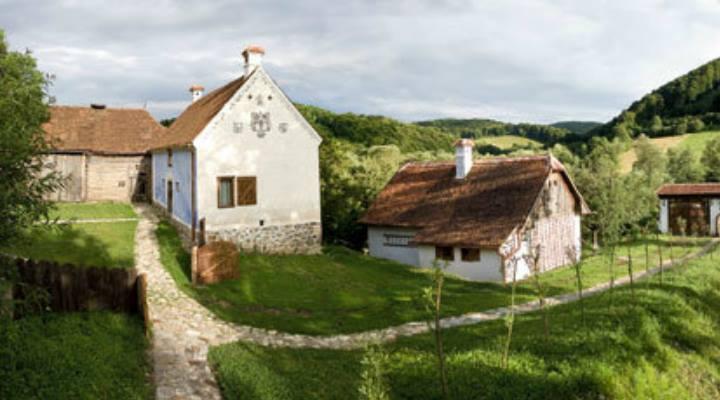 Prinţul Charles a deschis casa din Valea Zălanului. Vezi cât costă noaptea de cazare: 1