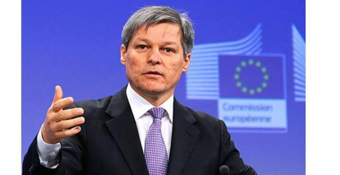 Legea salarizării a fost finalizată de premierul Dacian Cioloș. Vezi ce salarii vor primi bugetarii, din 2017: 2