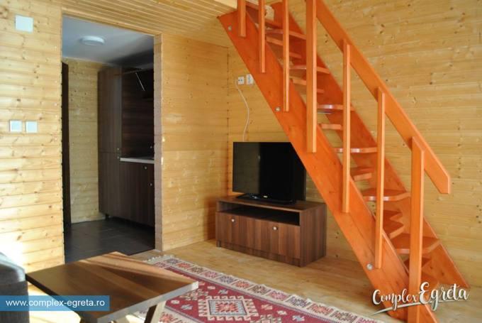 (Foto) Satul plutitor din România, unic în Europa, este deschis. Vezi cum arată în interior și cât costă o cameră: 3