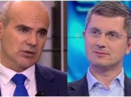 """Dan Barna, un nou atac la PNL pe care-l acuză de blat cu PSD:""""Presupun că europarlamentarul Bogdan a rămas cu niște replici programate ...""""liberalii"""" care votează PUZ-uri cot la cot cu PSD prin consiliile locale..."""" 13"""