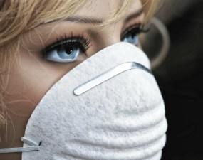 Avertizare. Medic Militar: Purtatul măștilor de protecție ne poate afecta pielea feței. Acnee, prurit facial (=mâncărime), exantem, urticarie de contact, dermatită de contact acută. CE SĂ FACEM? 18