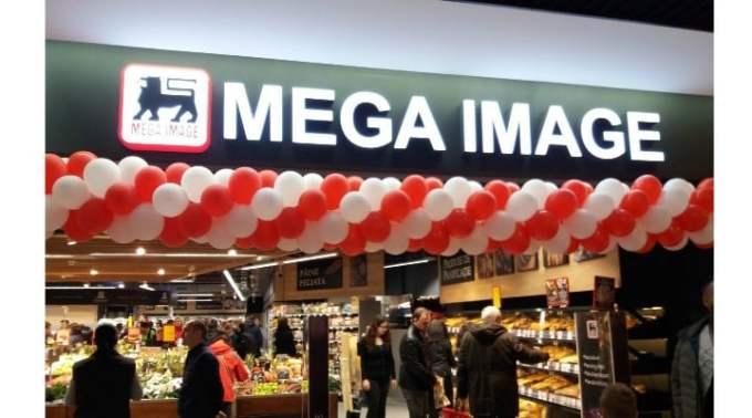 """O clientă Mega Image și-a uitat portofelul în magazin, doi angajați au mers acasă la ea ca să-l înapoieze. Diana: """"Nimic nu lipsește, bineînțeles. You guys rock """" 1"""