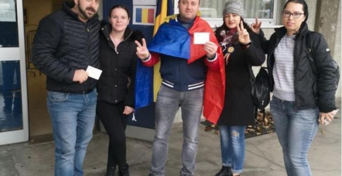 """Iohannis a câștigat. Oana Pellea: """"Felicitari MINUNATEI DIASPORE ROMANE! Felicitari Românei responsabile și proeuropene!  ROMÂNIA ÎNCEPE O NOUA VIATA! Felicitari, oameni buni!  Hai sa reconstruim această țara ...că tare a mai pătimit in ultimii 70 de ani! Tare a mai fost ..."""" 12"""