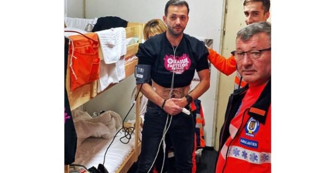 """(Foto) Mihai Morar, îngrijiri medicale de urgență. """"De la OFB la EKG...."""" 16"""