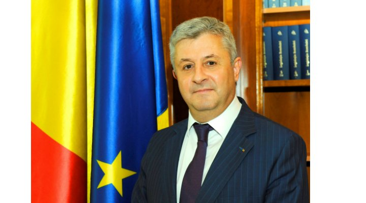 Încă un plagiator în Guvernul României! Ministrul Justiției a copiat pagini întregi fără ghilimele. Vezi reacția lui Florin Iordache: