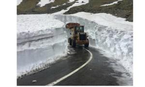 (Video) Zăpadă multă. Așa arată Transfăgărășanul cu câteva zile înainte de 1 iunie 13