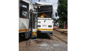 (Foto) 7 Răniți! Două tramvaie s-au ciocnit în București. Cum au reușit? 4