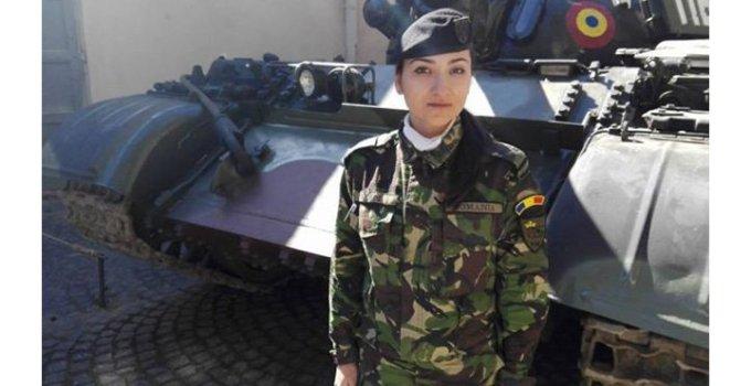 """""""Servesc patria!"""". Alexandra Guşoi, Tanchista de 24 de ani care a ajuns comandant de pluton 3"""