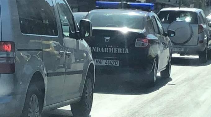 """Bogdan Ocnaru: """"Am văzut o mașină a Jandarmeriei in trafic ..Erau 4 hăndrălăi in ea. Aia din fata fumau ca turcii. Le-am făcut semn ca nu e OK, ca nu se fumează in mașina de serviciu.Au început sa rada au dat din cap, """"ba da, se fumează!"""". Ce pretenție sa ai, bruta e tot bruta?! Păcat, si la Jandarmerie sunt ..."""" 1"""