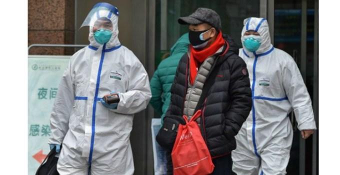 """25 de români vin din China, dintr-un oraş în carantină de coronavirus. """"Ne-au luat temperatura des, au gestionat foarte bine treaba"""" 11"""