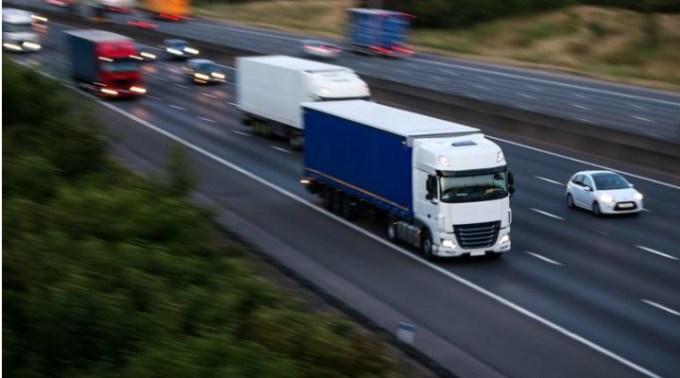 Şofer român de TIR din Spania bătut de patronii pentru care lucra, 3 frați spanioli. L-au ameninţat cu moartea, dacă face plângere 1