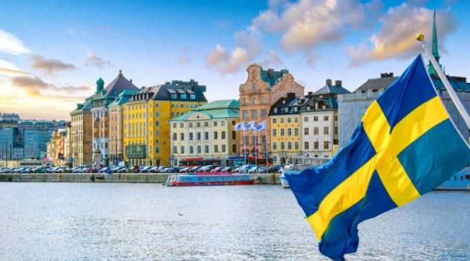 """Modelul Suedez. Andrei Caramitru: """"Suedia este no1 DIN LUME la decese de COVID acum, pe locuitor. Strategia lor a fost si este un dezastru absolut"""". Danemarca și Norvegia au exclus Suedia dintr-o înțelegere privind redeschiderea granițelor 1"""
