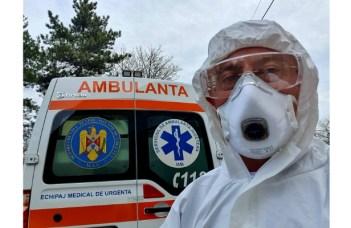 """Medic român din Franța: """"Începem să avem și pacienți tineri in stare gravă. Stați acasă, nu bravați interdicția de ieșire. Am să termin cu o notă optimistă: primii pacienți infectați încep să iasă de sub asistență respiratorie. Dar lupta va fi lungă. Ajutați cum puteți spitalele, medicii și asistentele medicale. Vor avea nevoie..."""" 8"""