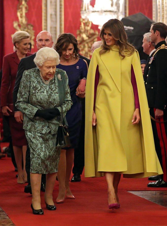 (Foto) Cum a apărut Carmen Iohannis la recepția găzduită de Regina Elisabeta a II-a 4