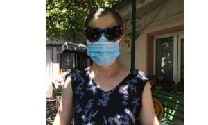 """Medicul Silvia Costinean: """"Port mască din martie, când guvernul ne spunea sa #nu purtam mască decât dacă avem simptome de viroză respiratorie (nu am uitat), iar la unele televiziuni, așa-zișii reporteri de teren spuneau ceva de genul """"feriți-va de oamenii cu masca"""" (nici asta nu am uitat). Prin urmare ..."""" 12"""