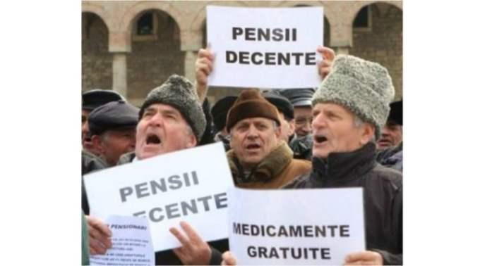 """Și românii din Diaspora obligați să plătească pensii de sprijin pentru părinţii şi bunicii rămaşi în ţară. Dacă nu, închisoare. Dan Alexe: """"În Italia există acei bamboccioni (bebeluși adulți, """"bebelăi""""), adulţi de peste 30 de ani, care continuă să locuiască cu părinţii, uneori cu forța, refuzând să plece. Recent, niște părinți, în Italia, au câștigat procesul cu băiatul lor de 40 de ani care nu voia, pur si simplu, să plece de acasă, unde mânca gratis și îi teroriza că ..."""" 1"""