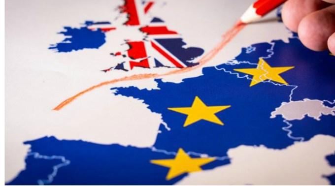 """Brexit. Mesaj într-un bloc din Marea Britanie: """"Nu mai tolerăm decât limba engleză. Aţi infectat această insulă"""". Drama unui cuplu de români """"Muncim din greu pentru ce avem și trăim o viață decentă cu copiii noștri. Nu avem..."""" 2"""