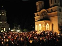 Împărtășanie cu linguriță de acasă! Biserica Ortodoxă Română anunță măsuri anti-coronavirus 13