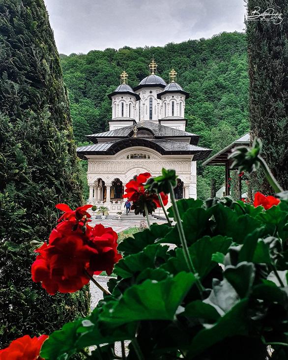 Mănăstirea Lainici (jud. Gorj) - Biserica Nouă