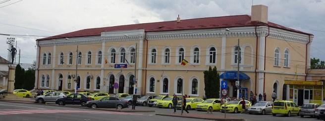 Clădirea Gării feroviare din municipiul Roman (construită în anii 1869-1872)