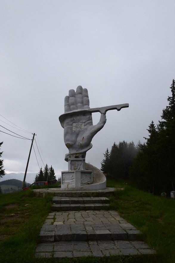 Monumentul Drumarilor (Pasul Ciumârna, jud. Suceava)