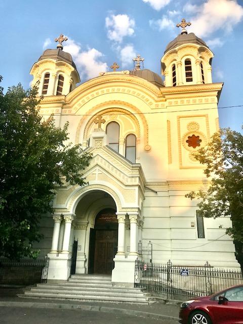 """Biserica """"Sfântul Nicolae"""" Vlădica (Bucureşti)"""