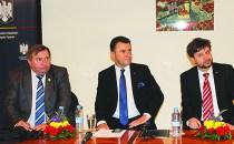 Membrii Comisiei pentru comunităţile de români din afara graniţelor ţării solicită sprijin diplomatic pentru românii din Spania în vederea obţinerii dublei cetăţenii