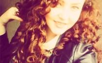 O tânără din Iaşi, pasionată de selfie-uri, a murit electrocutată în timp ce vroia să se fotografieze pe acoperişul unui tren