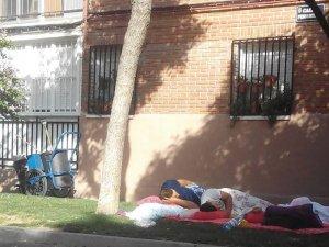Romi dormind pe stradă în Las Margaritas
