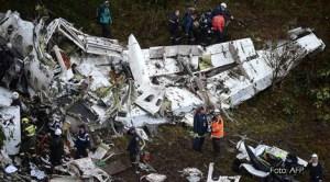 75 de morţi şi 6 răniţi în urma prăbuşirii unui avion care transporta lotul echipei braziliene Chapecoense.