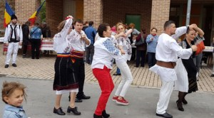 Dansuri și mâncăruri tradiționale românești în Navarra