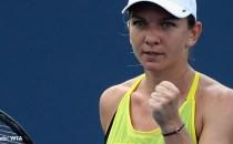 TENIS: Simona Halep calificată în semifinale la turneul de la Beijing; Sorana Cîrstea se opreşte în sferturi