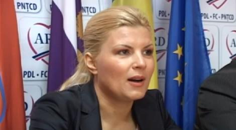 Elena Udrea va candida la preşedinţia PDL