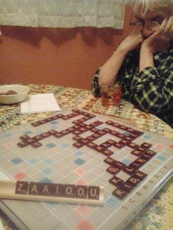 Scrabble-w-mom