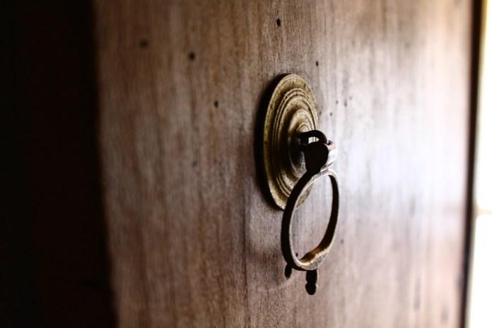 gelenekte kapı
