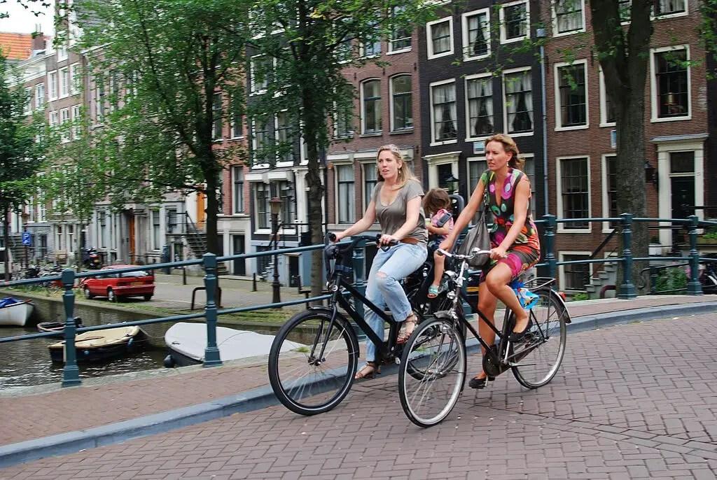 На велосипедах по Амстердаму на выходных